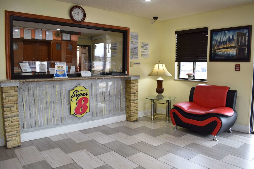 Lobby, Super 8 by Wyndham Newport News/Jefferson Ave.