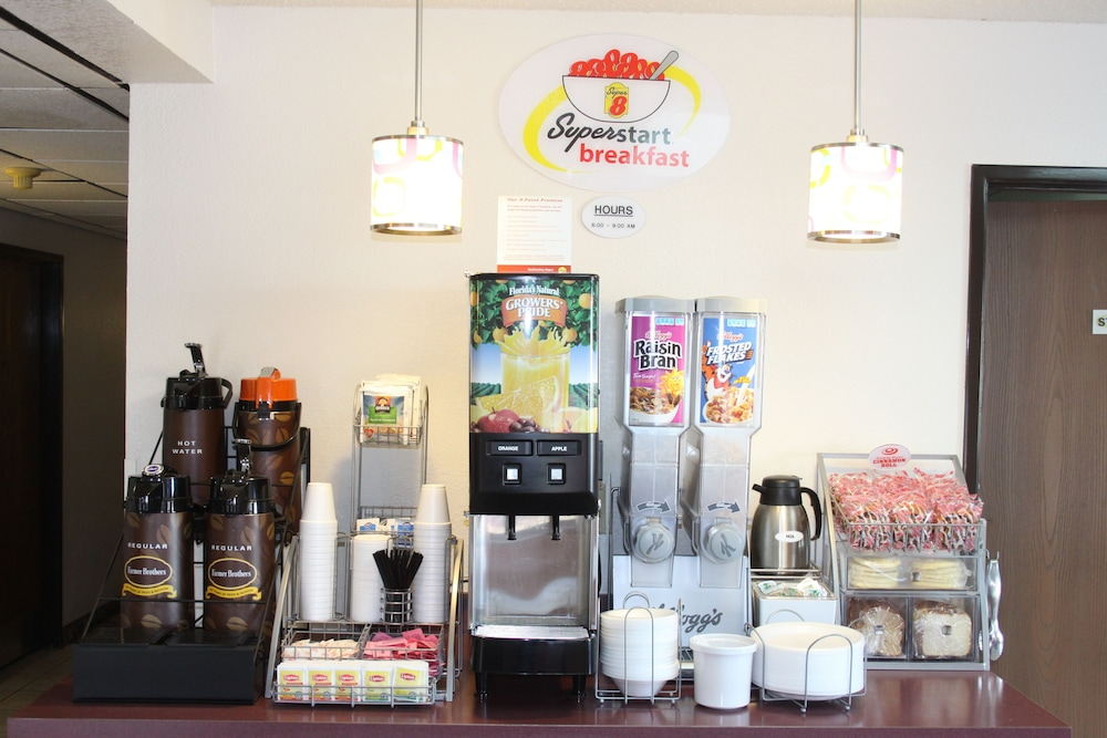 Coffee Shop, Super 8 by Wyndham Newport News/Jefferson Ave.