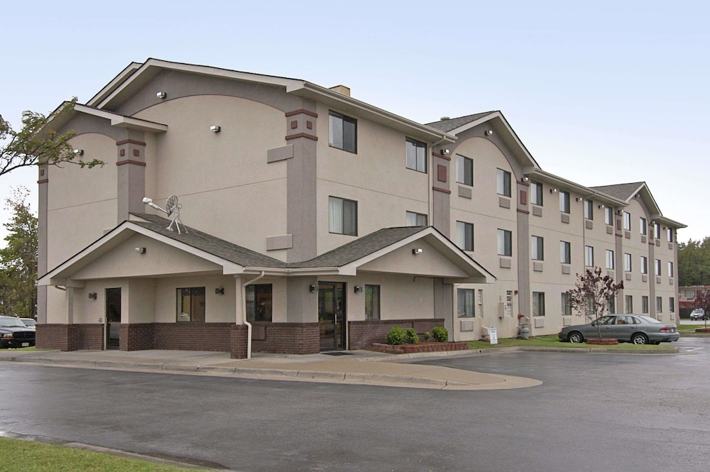 Featured Image, Super 8 by Wyndham Newport News/Jefferson Ave.