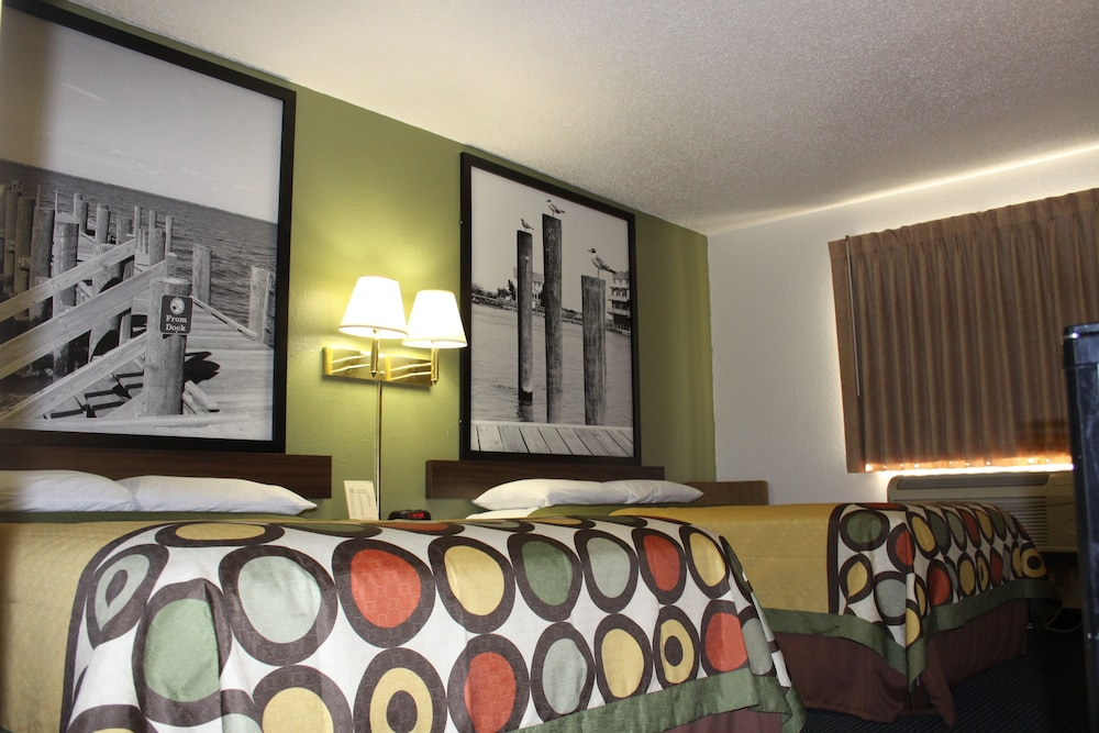 Room, Super 8 by Wyndham Newport News/Jefferson Ave.