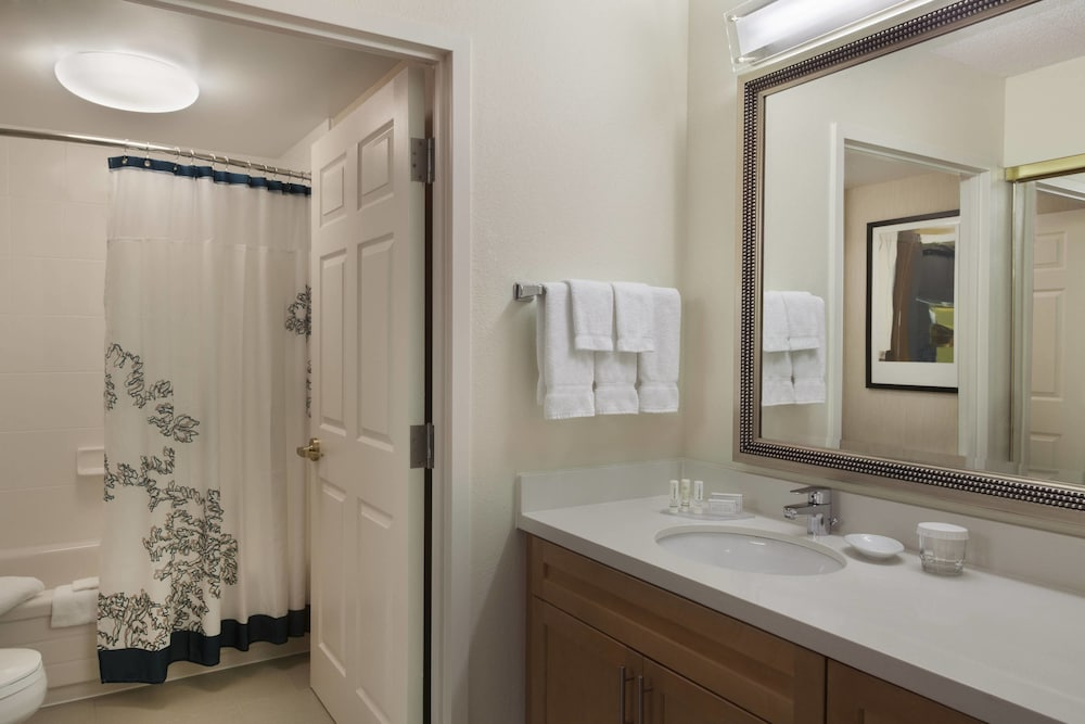 Bathroom, Residence Inn by Marriott Toronto Markham