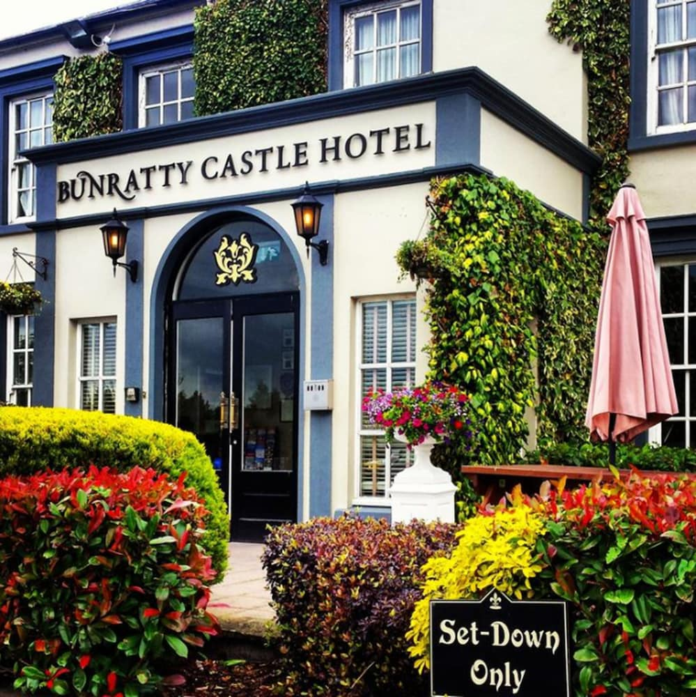 Front of Property, Bunratty Castle Hotel, BW Signature Collection
