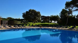 Piscine couverte, piscine extérieure