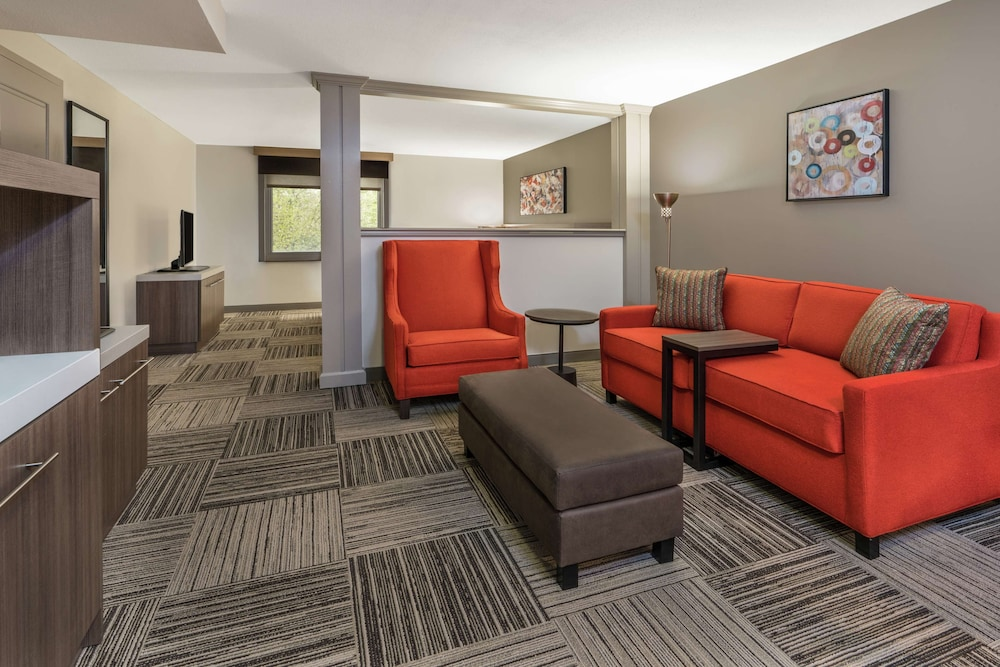 Living Area, Hilton Garden Inn Syracuse