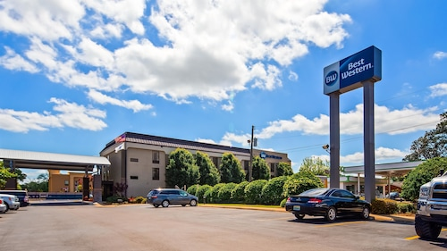 Check Expedia for Availability of Best Western Laurel Inn