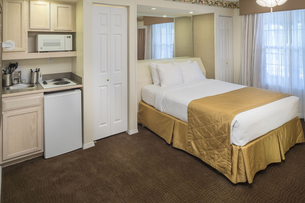 The suites at fall creek by diamond resorts 2019 room prices 44 deals reviews expedia for 2 bedroom suites in branson mo