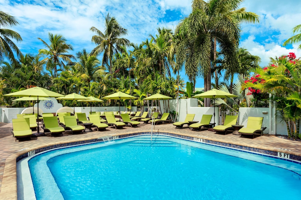 Outdoor Pool, Southernmost Beach Resort