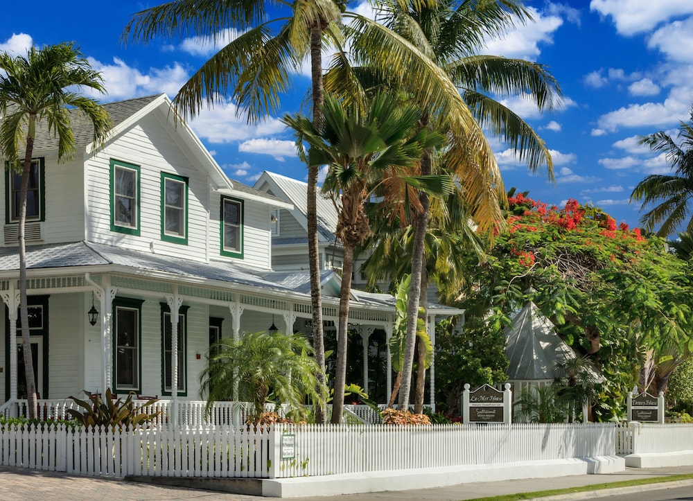 southernmost beach resort in key west hotel rates. Black Bedroom Furniture Sets. Home Design Ideas