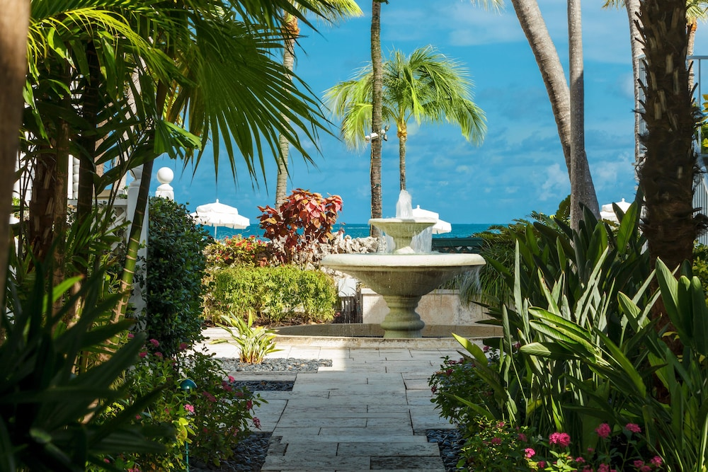 Fountain, Southernmost Beach Resort