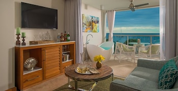 Beachfront One-Bedroom Butler Suite w/ Tranquility Soaking Tub - Living Area