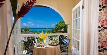 Caribbean Oceanview Luxury - Outdoor Dining