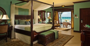 Beachfront Royal Butler Villa Suite - Guestroom