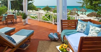 Beachfront Prime Minister's One Bedroom Butler Villa Suite - Terrace/Patio