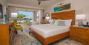 Beachfront Honeymoon Walkout Club Level Junior Suite w/ Tranquility Soaking Tub - Guestroom