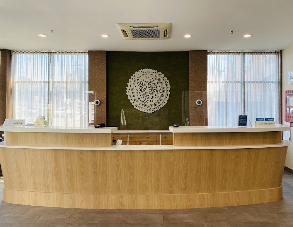 Reception, Fairfield Inn by Marriott JFK Airport