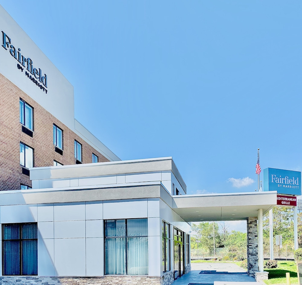 Exterior, Fairfield Inn by Marriott JFK Airport