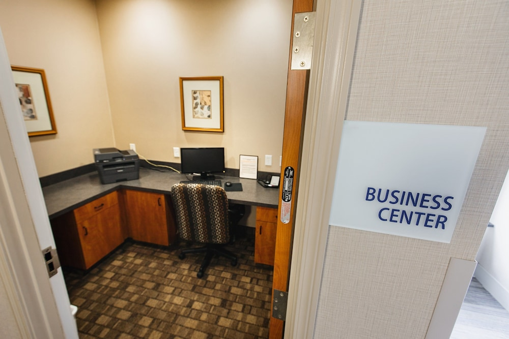 Business Center, Holiday Inn Express Bothell, an IHG Hotel