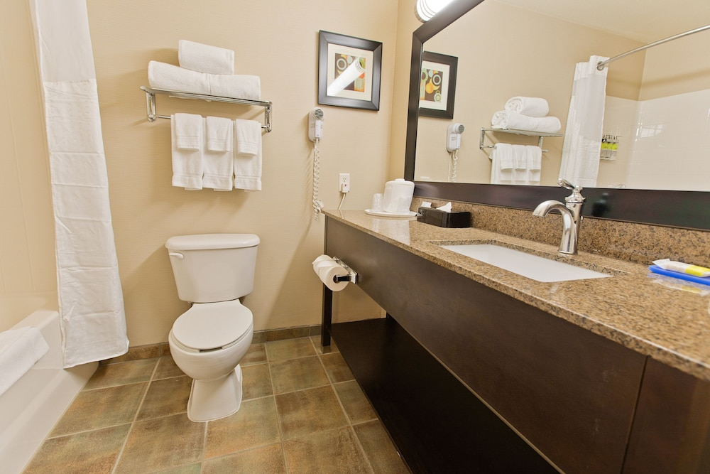 Bathroom, Holiday Inn Express Bothell, an IHG Hotel