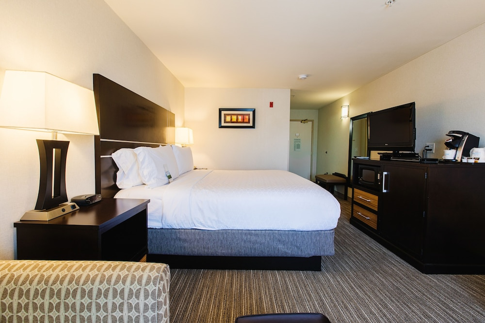 Room, Holiday Inn Express Bothell, an IHG Hotel
