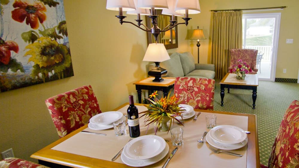 In-Room Dining, The Historic Powhatan Resort by Diamond Resorts