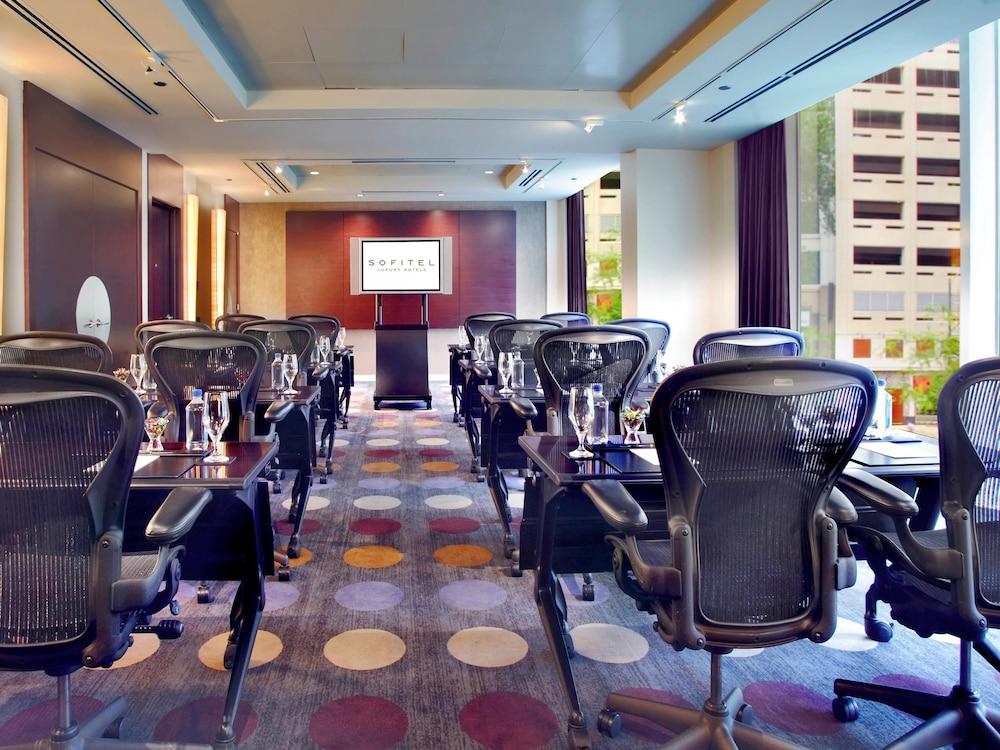 Sofitel chicago magnificent mile in chicago hotel rates for Luxury hotels in chicago magnificent mile