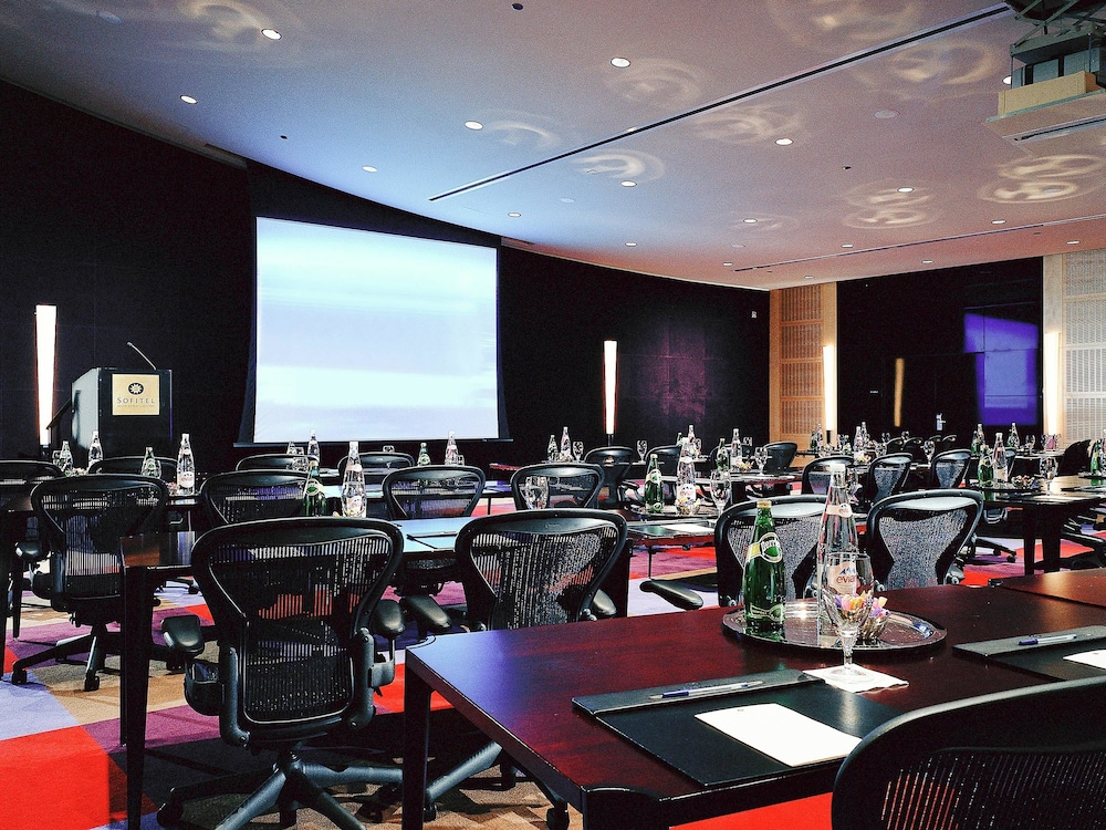 Sofitel chicago magnificent mile in chicago hotel rates for Top rated hotels in chicago