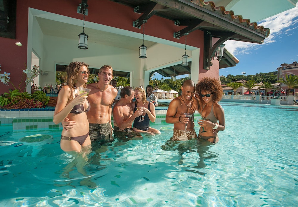 Swim-up Bar, Sandals Grande Antigua - ALL INCLUSIVE Couples Only