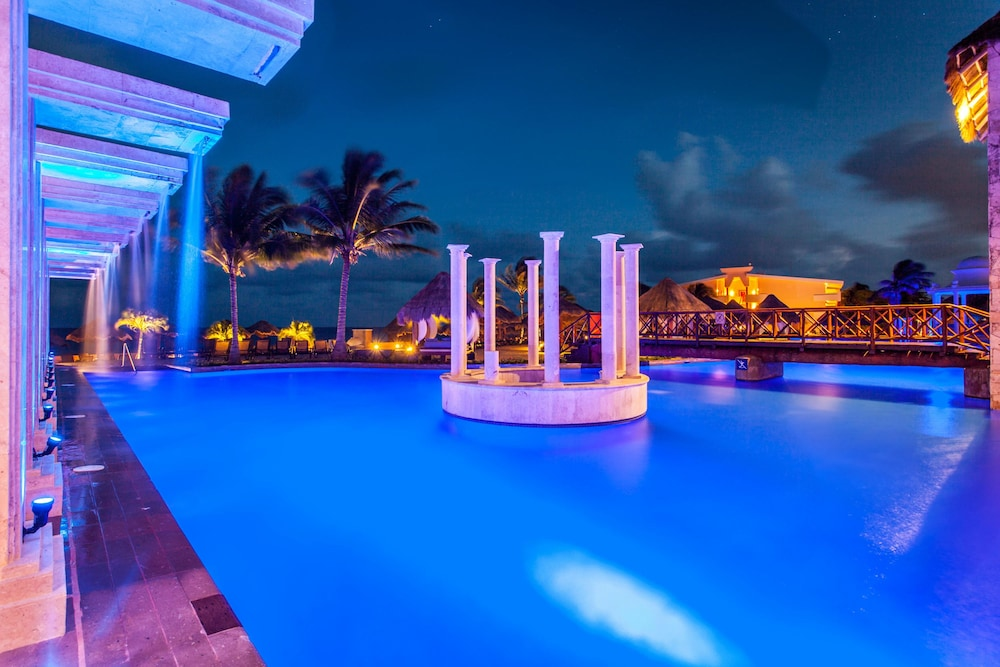 Pool, Now Sapphire Riviera Cancun