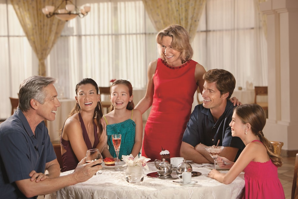 Family Dining, Now Sapphire Riviera Cancun