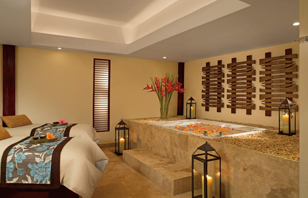 Treatment Room, Now Sapphire Riviera Cancun