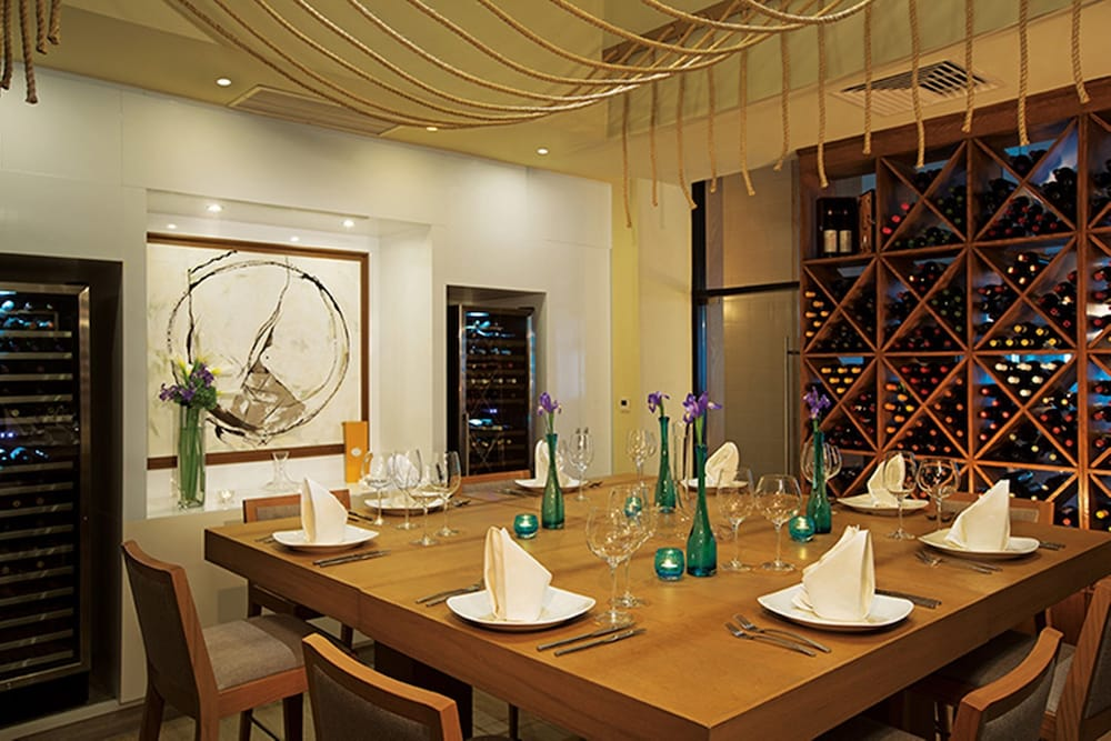 Dining, Now Sapphire Riviera Cancun