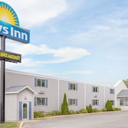 Days Inn by Wyndham Cedar Falls- University Plaza