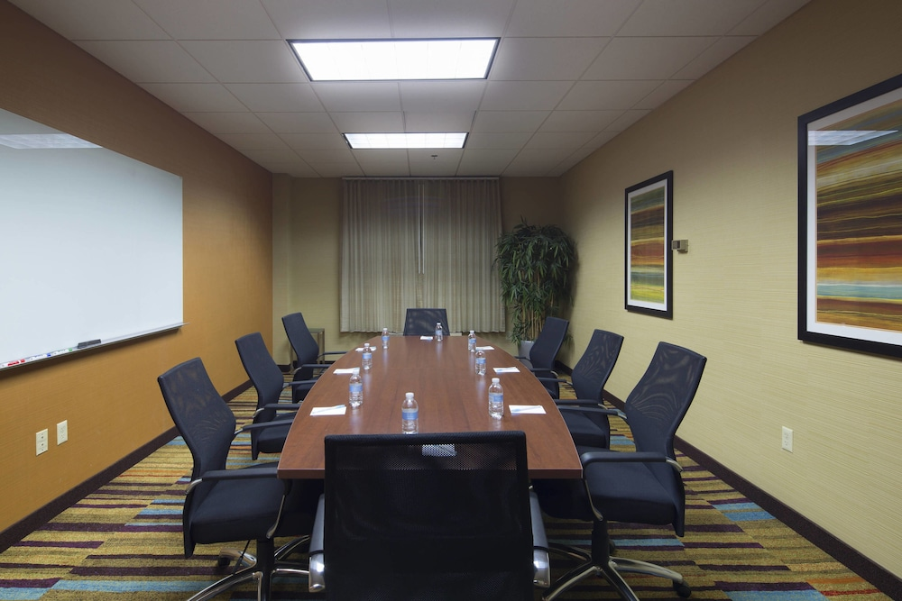 Meeting Facility, Fairfield Inn & Suites Newark Liberty International Airport