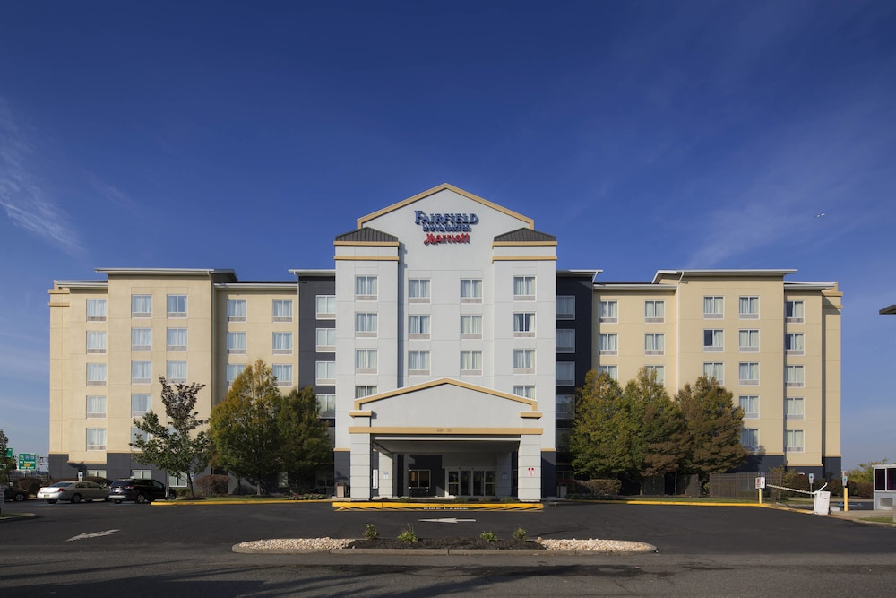 Featured Image, Fairfield Inn & Suites Newark Liberty International Airport