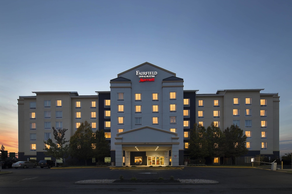 Exterior, Fairfield Inn & Suites Newark Liberty International Airport