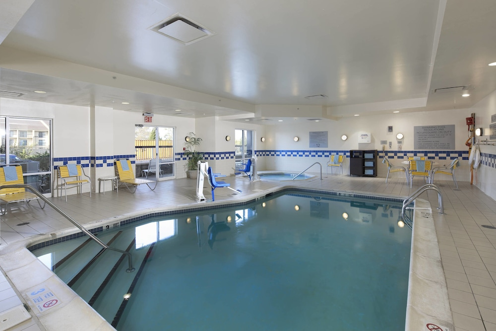 Sports Facility, Fairfield Inn & Suites Newark Liberty International Airport