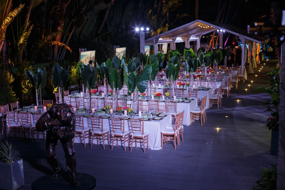 Outdoor Banquet Area, Sagamore South Beach