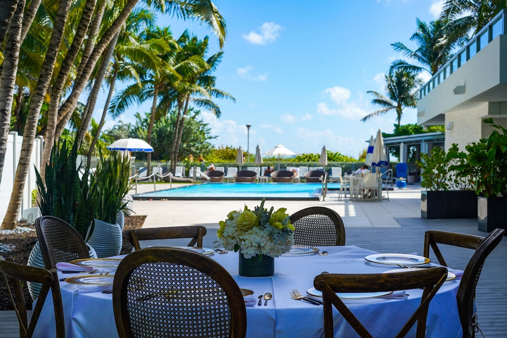 Outdoor Dining, Sagamore South Beach