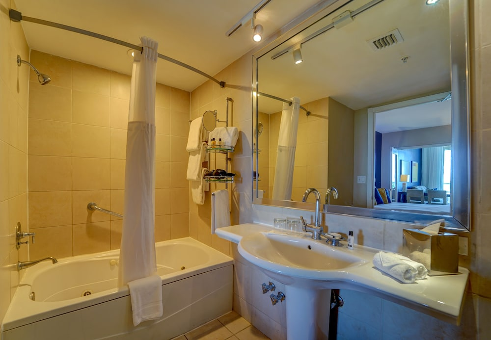 Bathroom, Sagamore South Beach