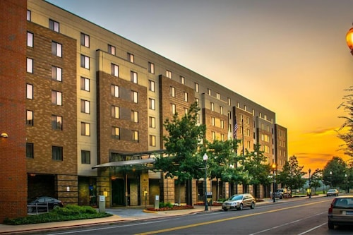 Lafayette Park Hotel and Suites- Trenton/Princeton- NJ