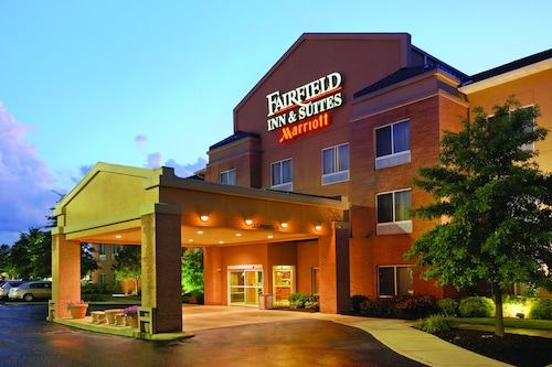 Great Place to stay Fairfield Inn & Suites by Marriott Akron-South near Akron