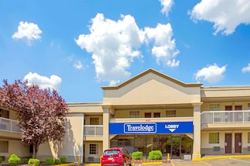 Travelodge by Wyndham Silver Spring