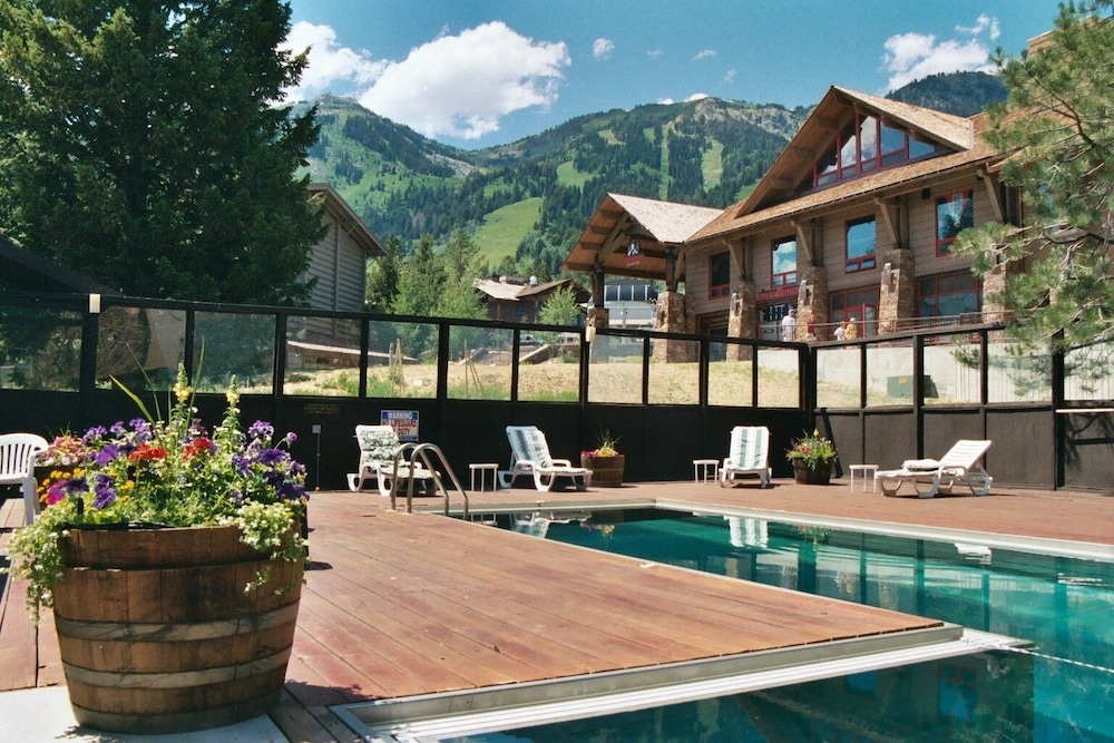 Outdoor Pool, Alpenhof