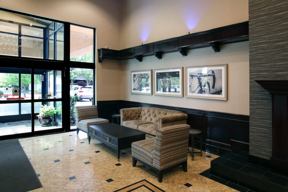 Interior Entrance, Oxford Suites Downtown Spokane
