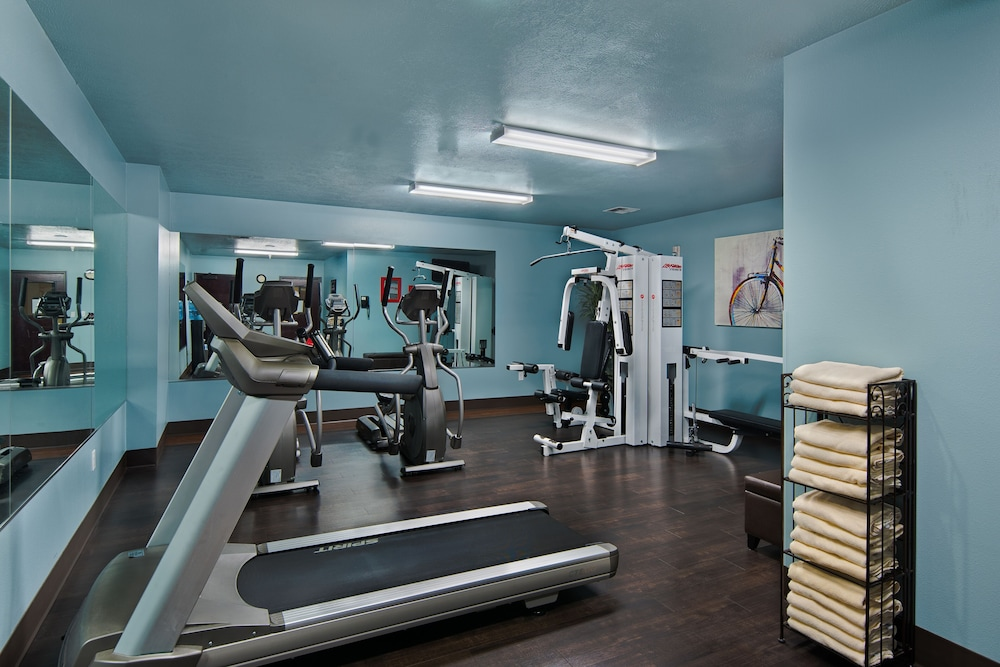 Gym, Oxford Suites Downtown Spokane