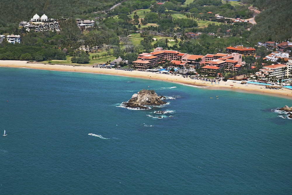 Front of Property, Barceló Huatulco - All Inclusive