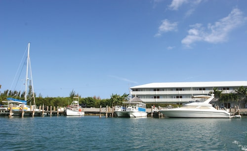 Flamingo Bay Hotel & Marina at Taino Beach