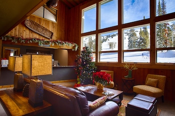 Sioux Lodge Suites by Grand Targhee Resort