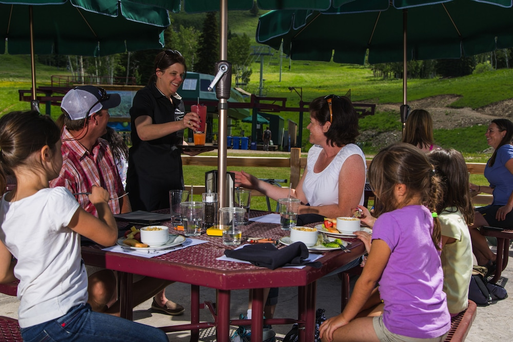 Outdoor Dining, Teewinot Lodge by Grand Targhee Resort