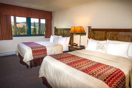 Teewinot Lodge by Grand Targhee Resort